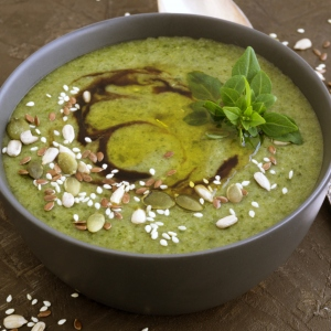 Grammy's Greens & Cauliflower Soup