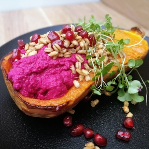 Simple Beetroot Hummus
