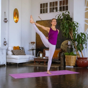 How to Move from Beginner to Intermediate & Advanced in Yoga