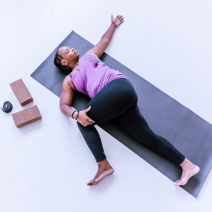 The Difference Between Yin Yoga & Restorative Yoga