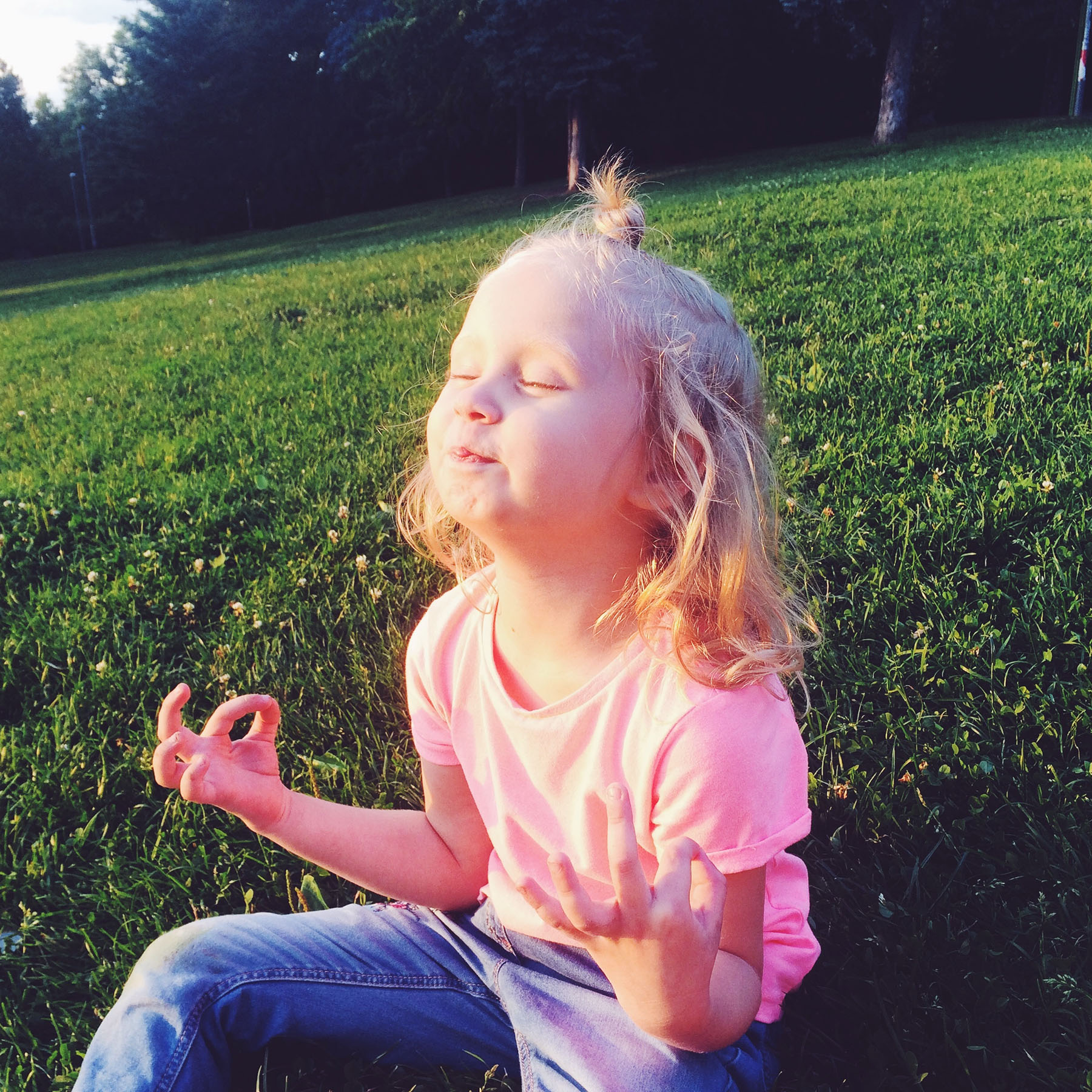 5 Meditations for Kids' School Stress Management