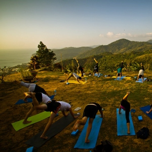 7 Epic Outdoor Yoga Destinations