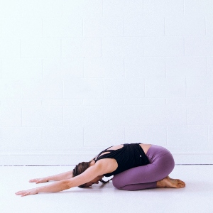 8 Yoga Poses That Improve Digestion