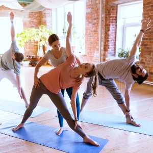 7 Tips on Picking the Right Yoga Teacher Training for You