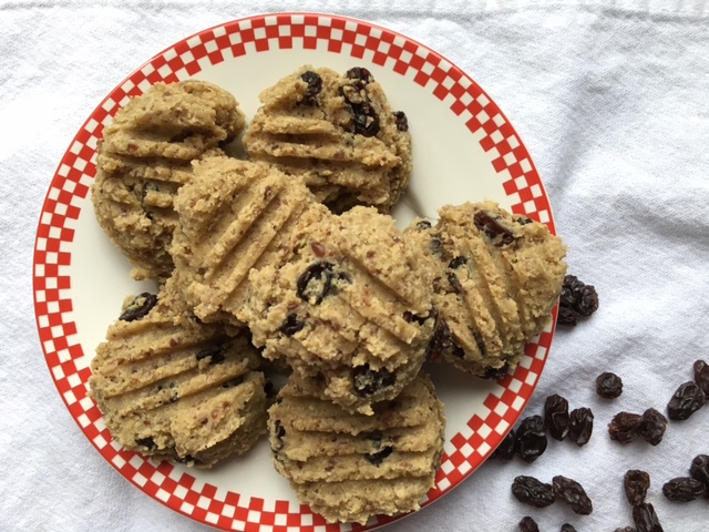 Nutty Quinoa Cookies