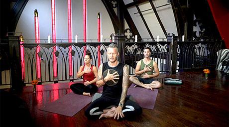 online vinyasa yoga videos and classes  download or stream