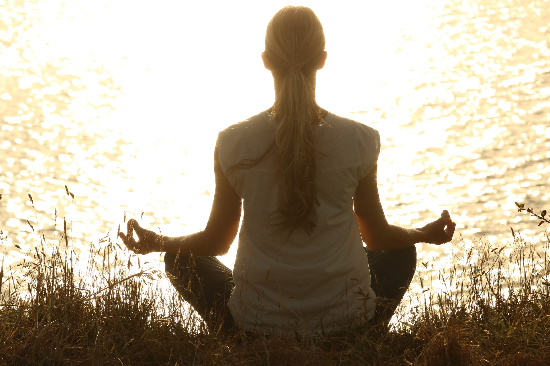 5 Reason to Start Your Workday <br> with Morning Meditation